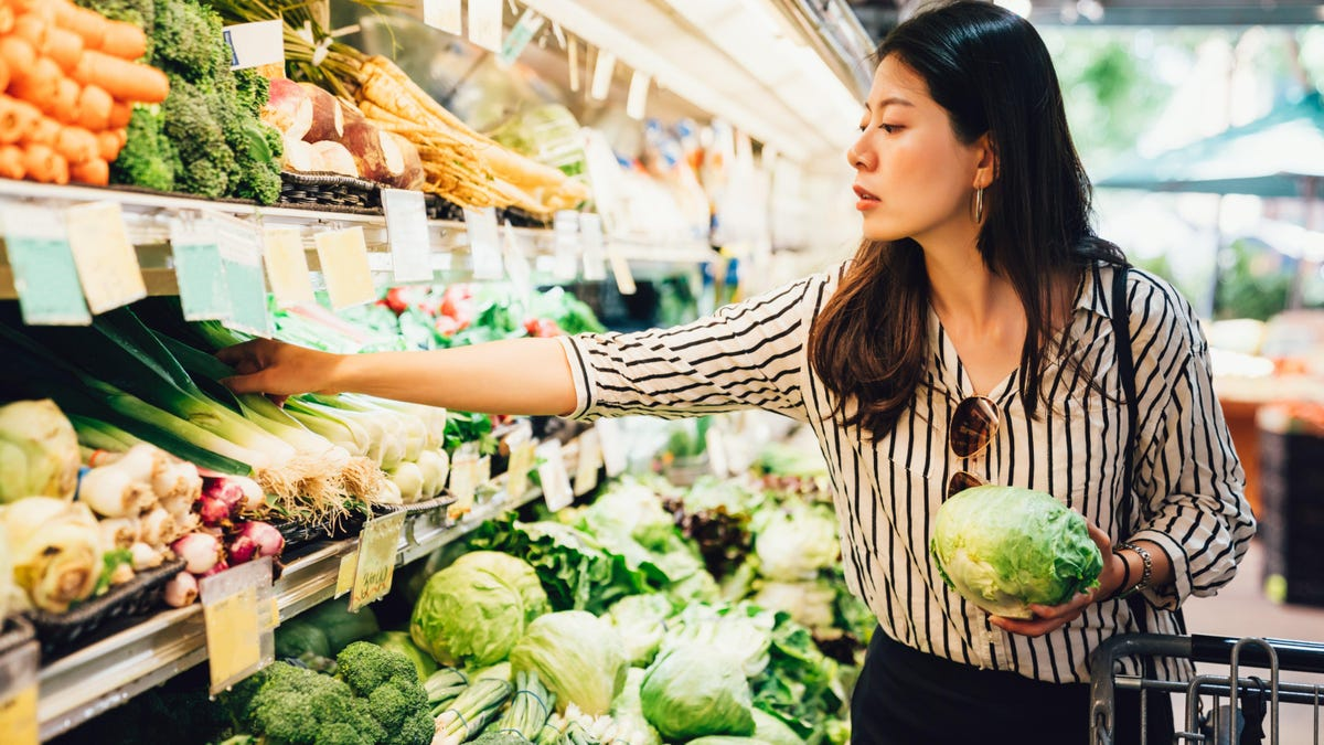 How to Eat Healthier Without Tracking Calories